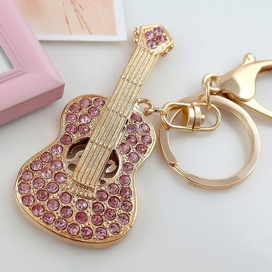 Llavero y accesorio para cartera: guitarra acústica