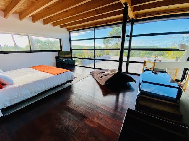Vue panoramique sur  grande terrasse et