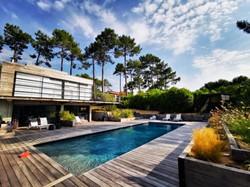 La Villa et les pins