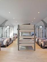 dortoir pour 16 personnes