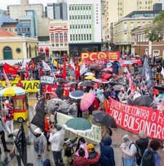 Em Santa Catarina, chuva não impediu a luta por Fora Bolsonaro neste 7 de setembro