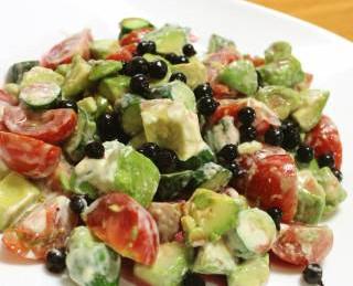 カシスと野菜のサラダ