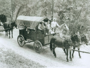 History photo wagon train 3.jpg