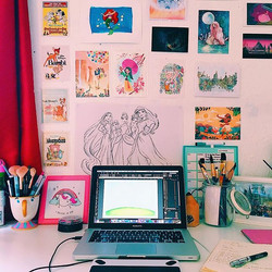 Feeling so inspired and motivated today working at my shiny new desk surrounded by so much art 🎨💭