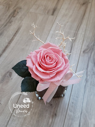 UN-0193-47 Sugar Pink Premium Rose Arrangement