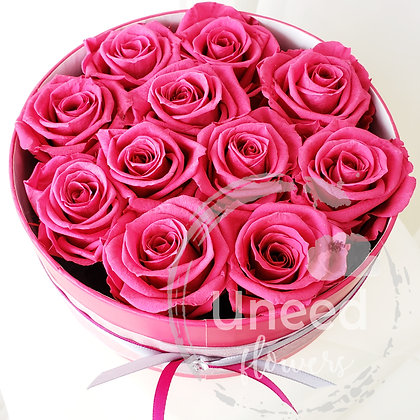 UN-0112 Preserved Roses in a Round Box