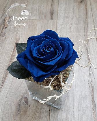 UN-0193-59 Majolica Blue Premium Rose Arrangement