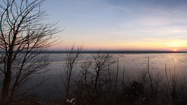 View of the Mississippi from the bluffs