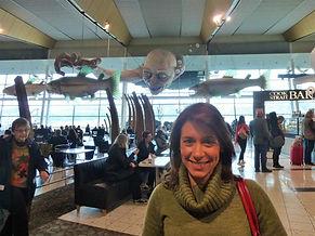 Mafalda Moutinho no aeroporto de Wellington.jpg