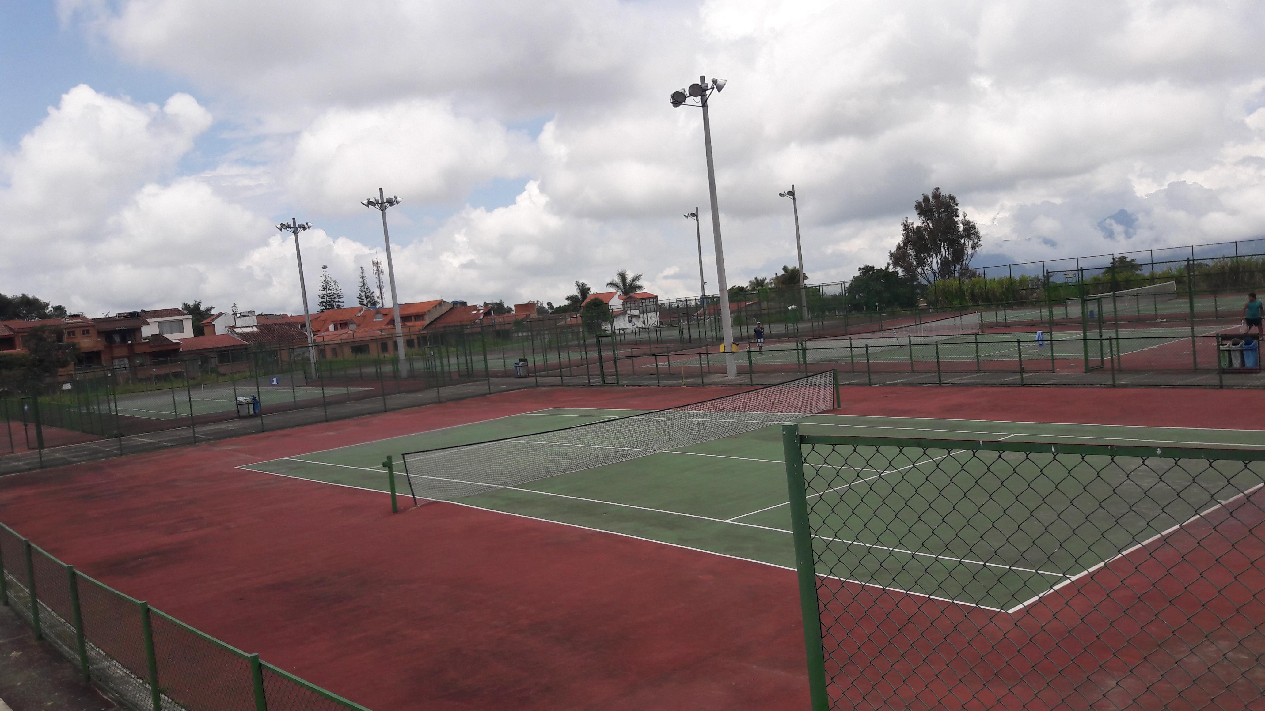 Tenis Campo Campo U. Cundinamarca