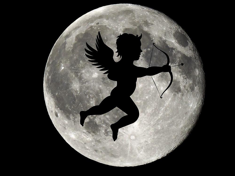 Lune et ange.