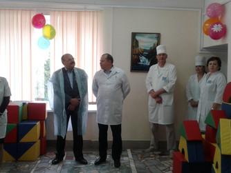 Министр здравоохранения В.В. Стрючков посетил  областную детскую больницу