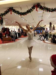 Victoria performing at Perimeter Mall Von Maur