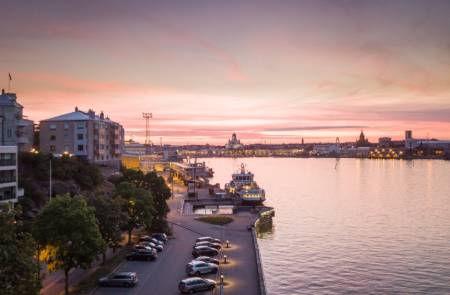 Water-Dusk-City-Helsinki-Finland.jpg