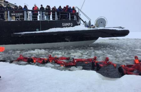 Swimming-Ice-Water-Icebreaker-Cruise-Fin