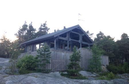 Summer-Cottage-Helsinki-Finland.jpg