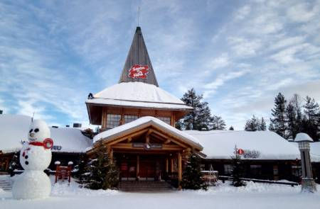 Santa-Workshop-Lapland-Finland.jpg