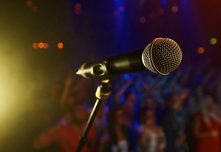 Espalhe sua verdade com um microfone