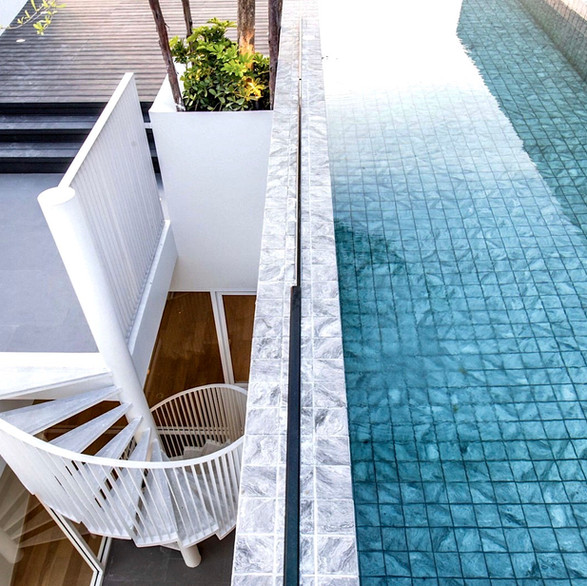 Private Rooftop Swimming Pool