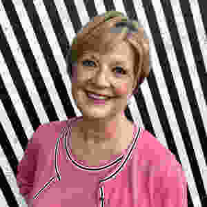 Profile photograph of Lynn Hynes