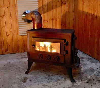 寒い季節は暖炉もご利用いただけます