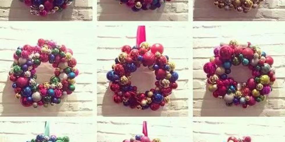 Bauble Wreath Class