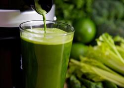 Suco verde com inhame