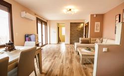 villa 1 living room-6544
