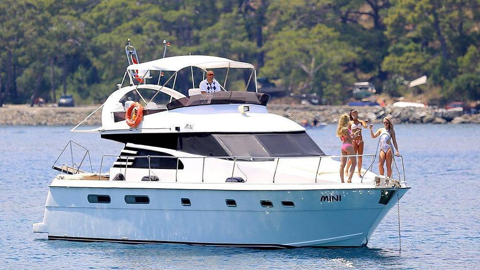 Яхта «Mini»