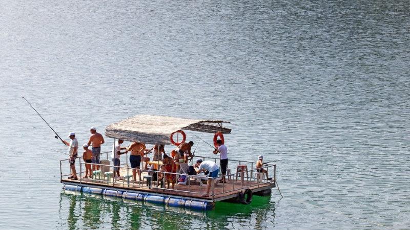 Пикник рыбалка на озере