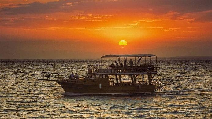 Остров  «Сулу ада» (на закате)