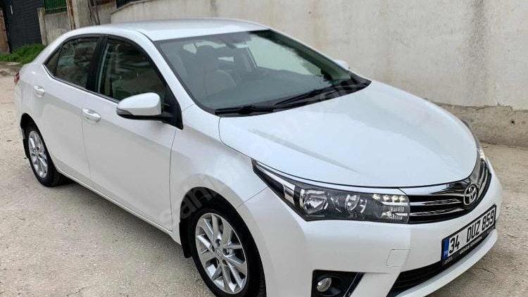 Toyota Corolla 2016 год (бензин автомат)