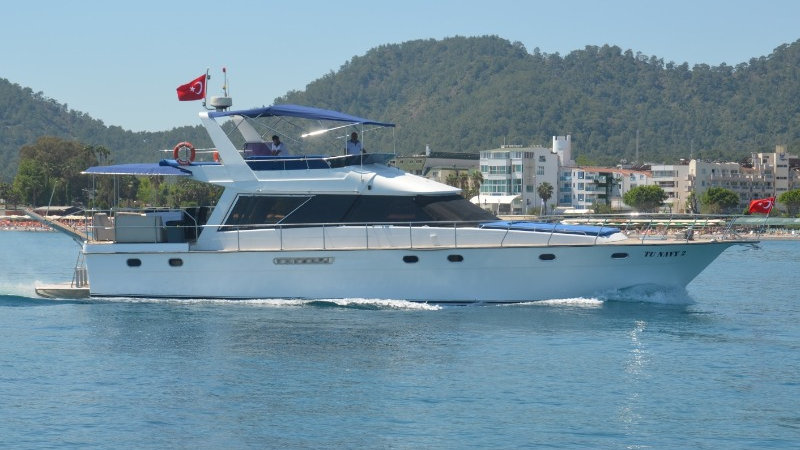 Яхта Tu navy 2