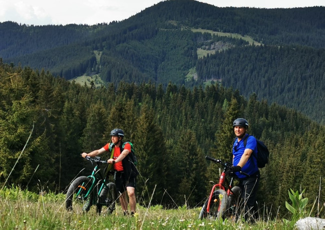 Tur e-bike Pestera Sugau