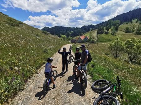 Plimbare la Cheile Gradistei - Fundata cu biciclete electrice
