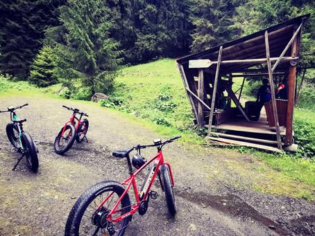 Peștera Șugău - Munții Giurgeului cu biciclete electrice