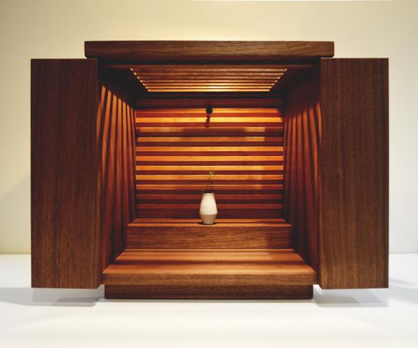 モダンデザインの仏壇 おしゃれな仏壇