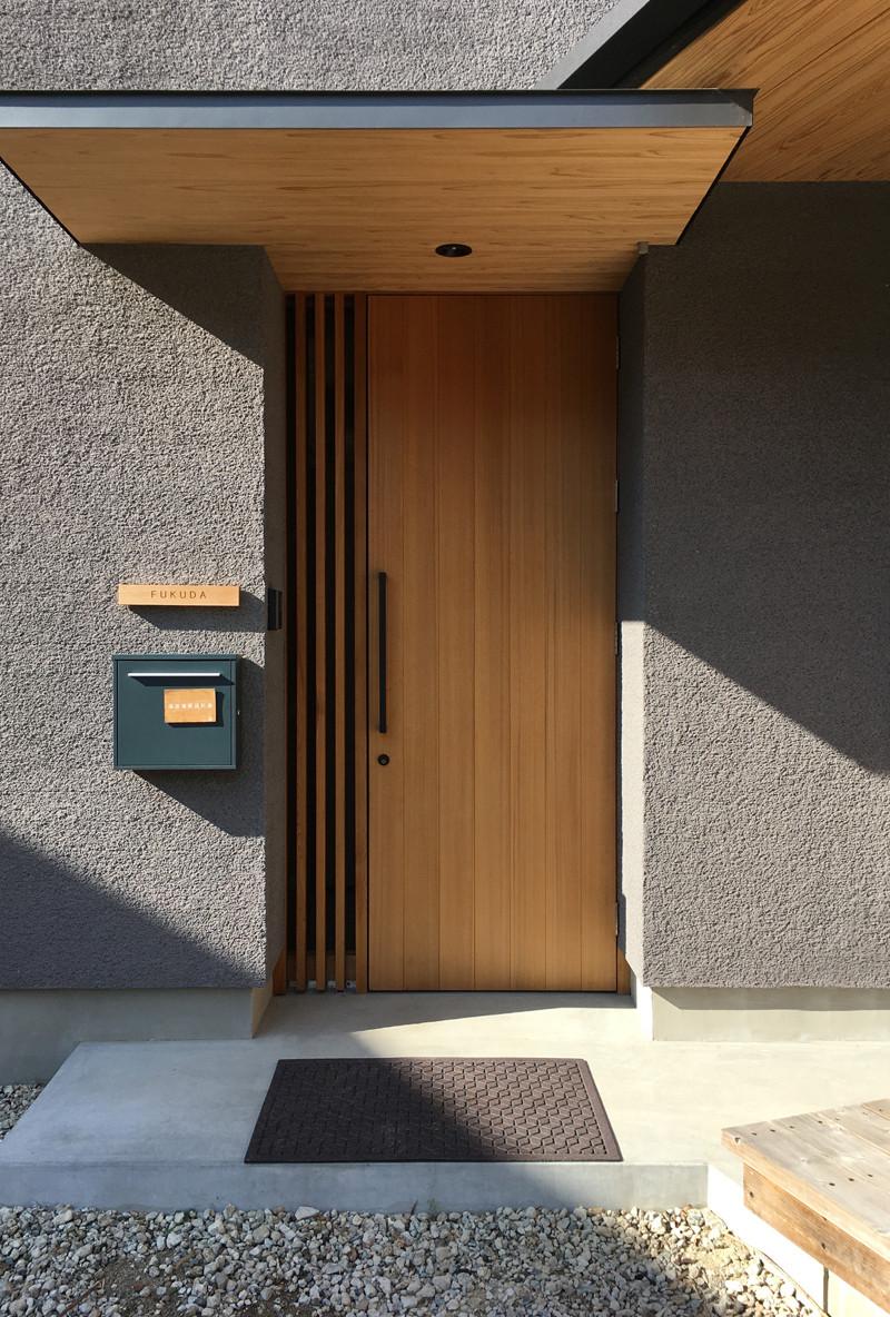 玄関扉 玄関ポーチ モルタル土間