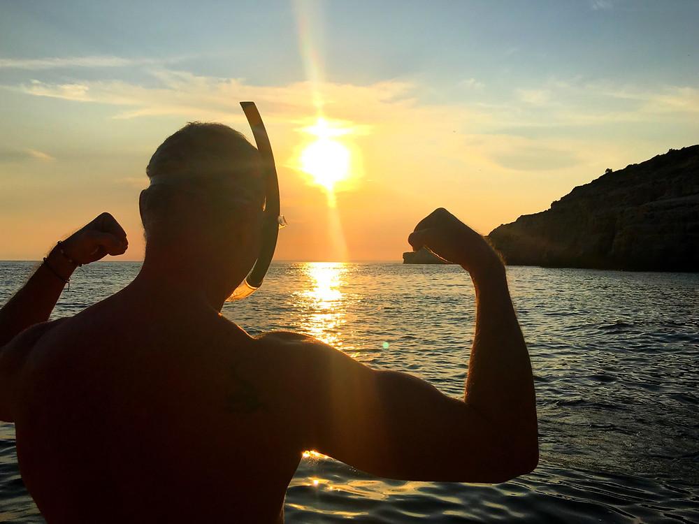 @durbanskyye flexing in the sunset