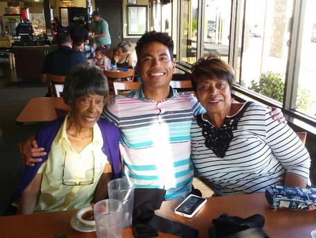 050_Chucks mom, nephew and sister.jpeg