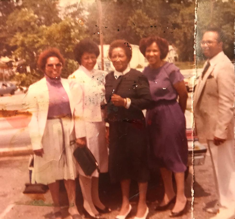 Vivian, Jean, Grandma Fannie, Mom, Uncle