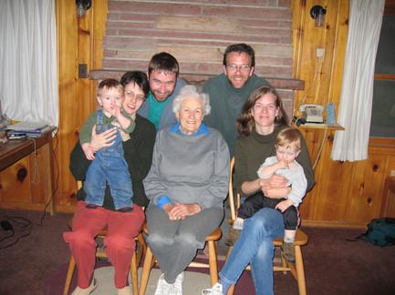 Family reunion Estes Park 2004.jpg