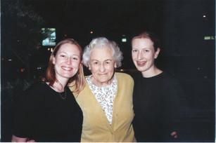 Millie, Maretta, Minda April 2000.jpg