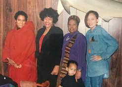 Mom_s Birthday - Micha, Mom, Vivian, Tar