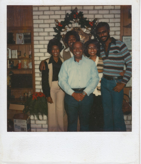 021_Chuck with parents and siblings.jpg