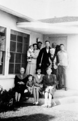 Family group1946.jpg