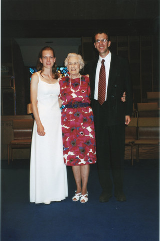 Millie, Elaine, Florian Wedding 1999.jpg