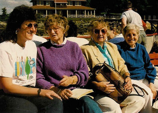 0005 89 pullen reunion girls on boat pic