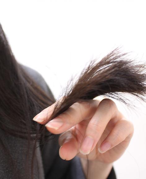 """""""髪がパサパサになる""""原因物質を突き止め、 """"髪がサラサラになる・肌が潤う""""と言われるのも納得できました。"""