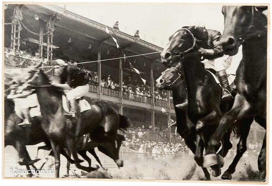 817. А. Родченко, фот. Скачки (1935 г.).